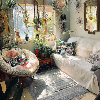 living room | home decor | house decoration | bohemian style | indoor plants | vintage | rustic vibes | small spaces