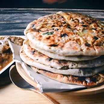 Aloo Kulcha Recipe | Amritsari Aloo Kulcha