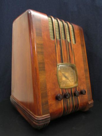 VINTAGE 1930s OLD EMERSON ORNATE DEPRESSION ERA ANTIQUE INGRAHAM WOOD CASE RADIO