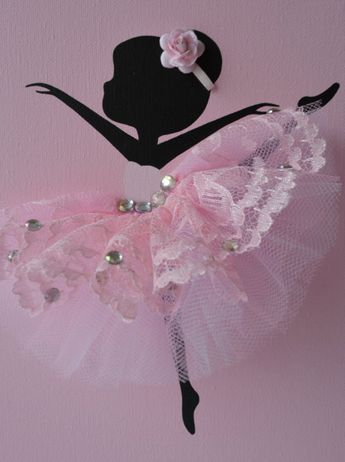 Ballerinas and Heart nursery wall art in pink and white. Girls room decor
