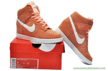 the best attitude 73cbd dc62a chuteiras barata Mulheres Suede Wedge Sneakers Laranja Branco Nike Dunk SB  Sky Hi 8056447-