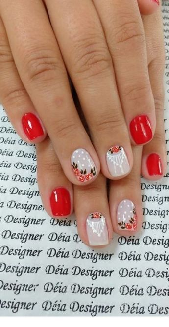 Very sweet red nails with flowers