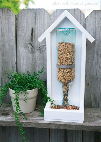15 Incredible Backyard Ideas Using Empty Wine Bottles