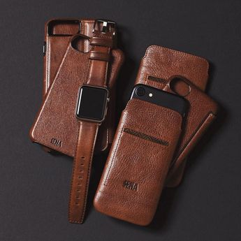 Can't get enough of cognac leather? Check out our cognac series #holidaygifts #coloroftheday #iphone8plus #applewatch #techaccessories #leather #leathergoods