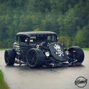 Let me just leave this beautiful '32 Ford twin turbo hot rod for some petrol head like me. Enjoy it.