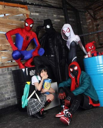 A really cool looking Spider Man: Into the Spider Verse cast cosplay