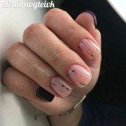 25 stunning minimalist nail art ideas to try 00020