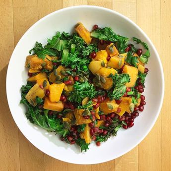 @deliciouslyella roasted pumpkin and pomegranate salad  This was so tasty and filling! The sort out food you eat that you can almost feel your skin getting healthier  . #prettyfood #veganfood #veganlunch #veganideas #vegansalad #vegetarian #vegan #healthyfood #healthylunch #superfood #crueltyfree #dairyfree #meatfree #healthyfood #foodie #healthy #food #foodporn #healthyeating #instafood #fitness #keto #instagood #love #fitnessmotivation #foodphotography #foodstagram #eatclean #beratbadan #healt