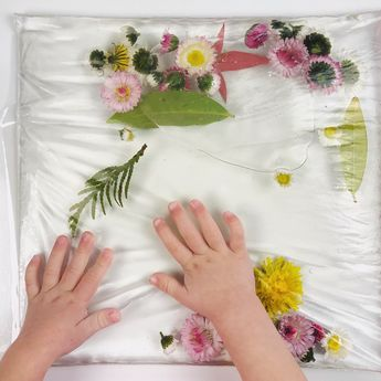 A spring sensory bag for babies and toddlers!