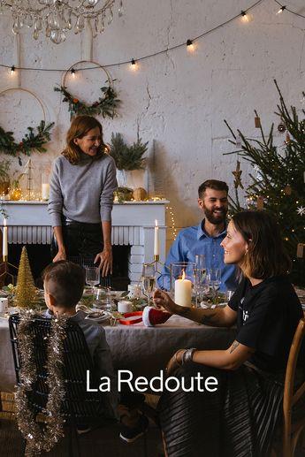 C'est Noël. De la joie, de la folie et de l'excitation mais aussi des moments chaleureux et inoubliables. Le tourbillon des fêtes commence. On a plus qu'une idée en tête, préparer le plus beau Noël pour ceux qu'on aime.