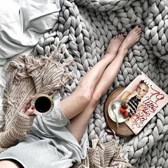 Ohhio's Grande Punto blanket. Chunky blanket. Merino wool