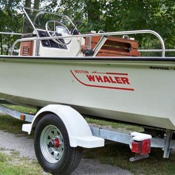 76' Boston Whaler Sakonnet