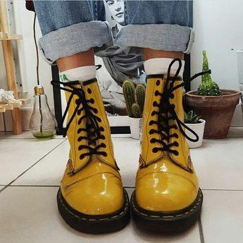 1 or 2? . . . . #tumblr #grunge #drmartens #yellow #black
