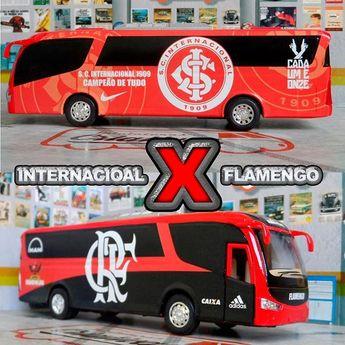 Miniatura Ônibus Internacional. Miniatura Ônibus Flamengo.  #miniaturascriativas #miniaturas #diecastbus #diecast #diecastvw #diecastcustoms #futebol #internacional #torcidaorganizada #campeaobrasileiro #libertadores2019 #presentescriativos #cartolafc #escala164 #colorado #estadiobeirario #maracanã #miniaturacolecionaveis #mengao #colecionaveis #hobby #miniature #mini #torcidaquecantaevibra #rubronegro #carrosdecolecionadores #campeonatogaucho #flamengo #presentespersonalizados #presentesdecorat