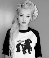 Pin Up Hairstyles For Long Hair - #hairstyles - #HairstyleBridal