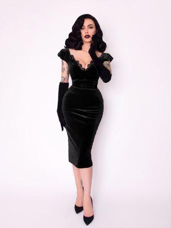Pre-Order Baudelaire Wiggle Dress in Black Velvet