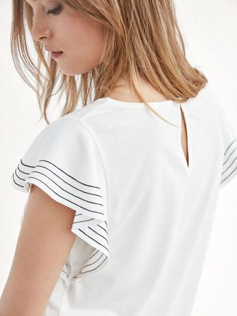 3559dd6f8c2 Spring summer 2017 Women´s T-SHIRT WITH CONTRASTING DETAIL at Massimo Dutti  for