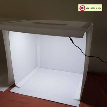 Download 700 Background Putih Polos Resolusi Tinggi HD Paling Keren