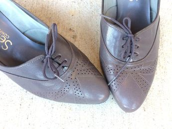 9bba408658f75 Carmen, Red Leather Oxford Shoes, Leather Oxfords, Red Sho