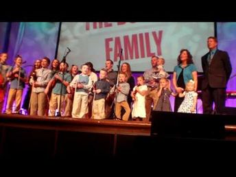 "Duggar Family Sings ""May the Lord Keep You"""