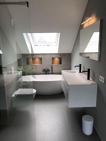 Enkel indretning af bad på 1. Sal samt farvespil mellem grå og hvide vægge