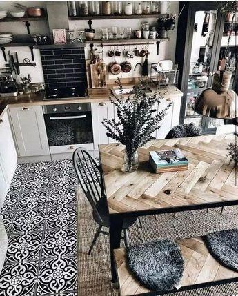 Best 35+ Cool Farmhouse Dining Room Design Ideas - alltemplatehd.com #dining #diningroom #diningroomideas