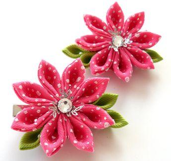 Flores de tela Kanzashi. Juego de 2 pinzas de pelo. Color de rosa