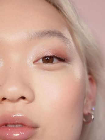 Glossier Lidstar in Herb, Cream eyeshadow, 0.15 fl oz, Lidstar lights up eyes with a wash of soft, glistening color that lasts all day