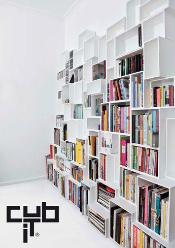 Créez votre étagère ou buffet avec les cubes du système d'étagère Cubit.