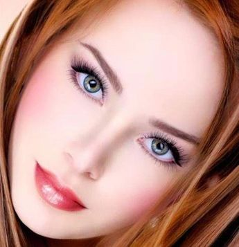 The new stunning look in red of the immensely pretty Claire Estabrook.#RedheadsAreMoreFun. #Beautifulwomen