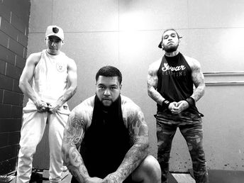 Hit some shoulders today wit the goons ... havent done shoulders in months as they assist in most compound movements but was still nice to feel that burn .  #shoulders #fit #tattoos #goonsquad
