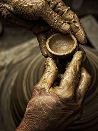 Potter's hands. Délicatesse de ces mains