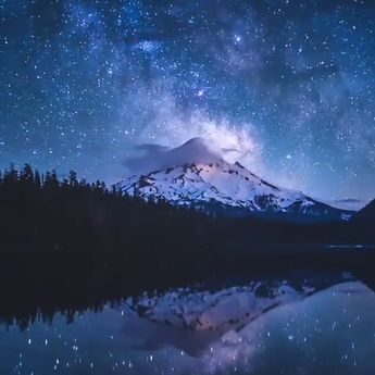 "ᴹⁱˡᵏʸ ᵂᵃʸ 🌌 ᴾˡᵃⁿᵉᵗ ᴱᵃʳᵗʰ 👽 on Instagram: ""💫 What you feel?  Video by @andrew.studer: ""The Milkyway galaxy rises over Mount Hood on a quiet, peaceful night. Bonus points if you can…"""