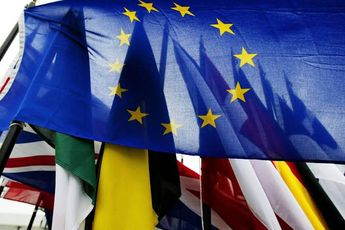 União Europeia amplia embargo de armas contra Venezuela