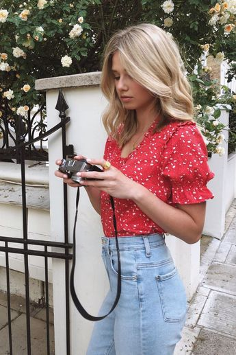 How To Wear Puff Sleeve Pieces This Summer