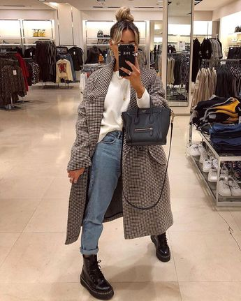 It's a good job I come every week and keep this store in business cuz looking at my pics there's never anyone else here. Lol. Coat - Zara…