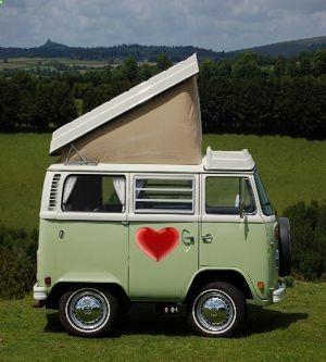 I love VW Campers - adventureideaz.com