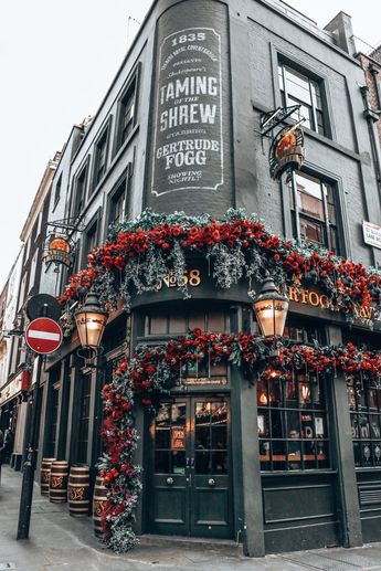 London Travel Guide for First-Time Visitors