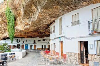 5 pueblos curiosos de Cádiz (incluyendo el pueblo que parece aplastado por una roca) - 101 Lugares increíbles