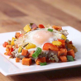 One-Pan Sweet Potato Breakfast Hash #healthyfastfoodbreakfast