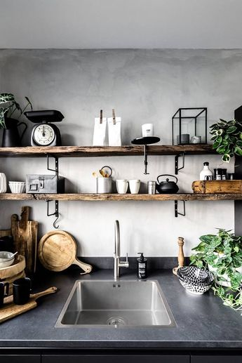 Bold and simple; Marrakech Walls plaster paint backsplash. Watch our video about how to achieve this concrete-look. 100% mineral paint. Color Evening Shadow. Credits by Huize Dop