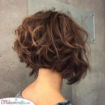 A Curly Bob - Pretty and Stunning