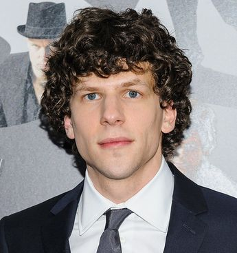 Jesse Eisenberg and Jeremy Irons to Star as Lex Luthor and Alfred in Upcoming 'Batman vs. Superman' Film