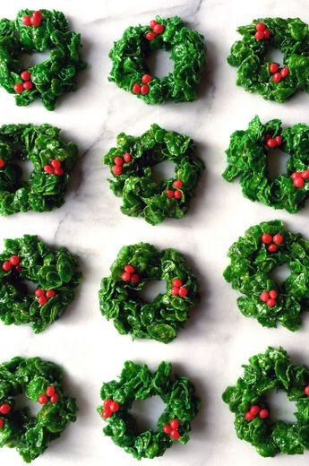 The 15 Prettiest Christmas Cookies To Gift (And Eat)