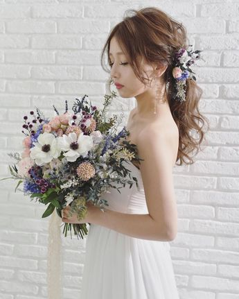 "BRAMBLY 𓆷 YUKO on Instagram: ""` ` ` bridal photo 𓆸𓆸 ` ` hair arrange @yasuka_cure model @yuu__aaa ` ` ` #wedding#weddingflowers#bramblyflower"""