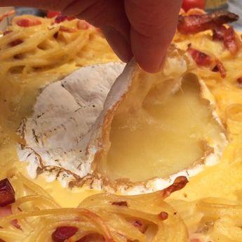 The ultimate cheesy pasta fusion fondue
