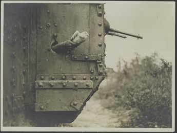 It must suck to have to wait for artillery support while under fire. Carrier Pigeon being launched in WWI (British Official Photograph L1064) Ca. 1918 [1200 x 906]