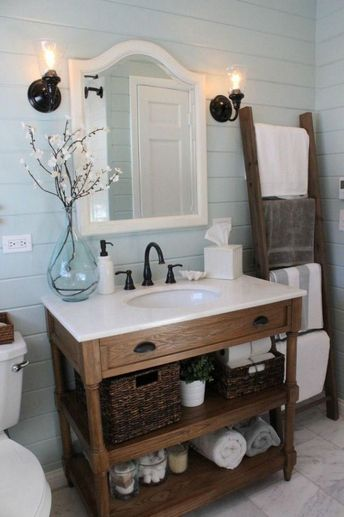 Ladder for towel holder 57+ Awesome Farmhouse Small Bathroom Remodel Decor Ideas - Page 2 of 59 #picturesofsmallbathrooms