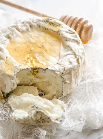 Aged Goat Cheese with Honey @ Minimally Invasive