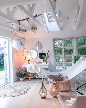 71+ Smart Designs Features Maximize Space Attic Apartment